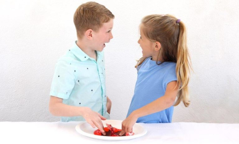 Kids Plate Look at Each Other